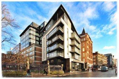 2 Bedrooms Flat for sale in Ingram Street, Merchant City, Glasgow