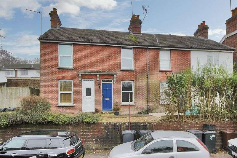2 Bedrooms Terraced House for sale in Western Road, Crowborough, East Sussex