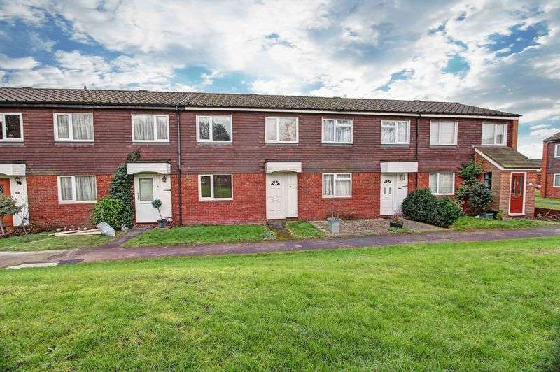 3 Bedrooms Terraced House for sale in Bristow Court, Marlow, SL7