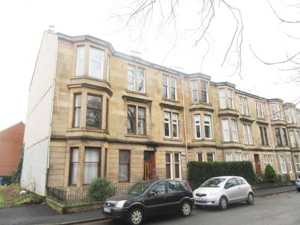 2 Bedrooms Flat for sale in 2/2 18 Whitefield Road, Glasgow