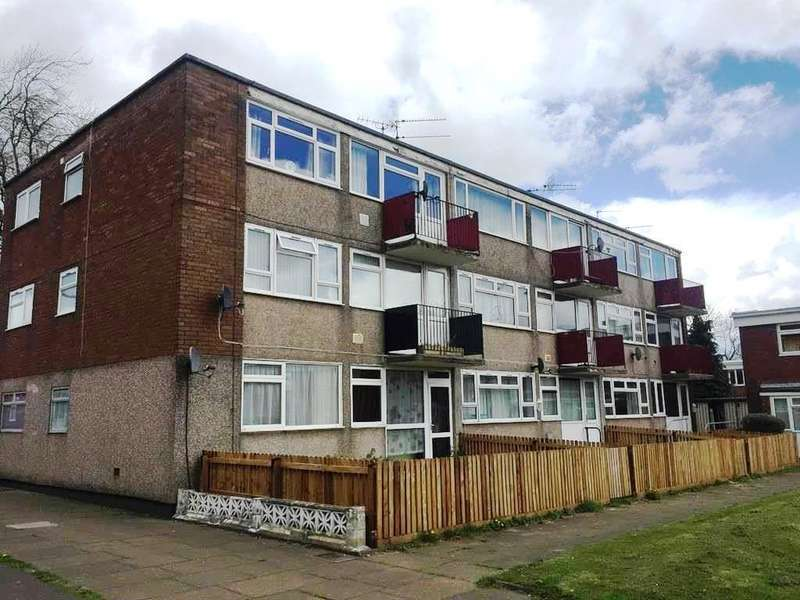 2 Bedrooms Flat for sale in Orchard Lane, Cwmbran