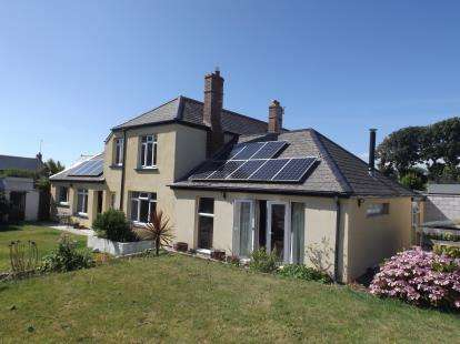 Semi Detached House for sale in Mullion, Helston, Cornwall