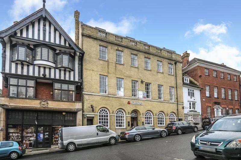 3 Bedrooms Apartment Flat for sale in High Street, Arundel, West Sussex, BN18