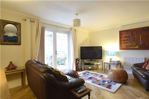 4 Bedrooms Terraced House for sale in Scholars Walk, BEXHILL-ON-SEA, East Sussex, TN39 5GA