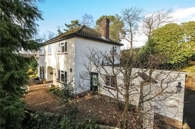 4 Bedrooms Detached House for sale in Collingwood Rise, Camberley, Surrey, GU15