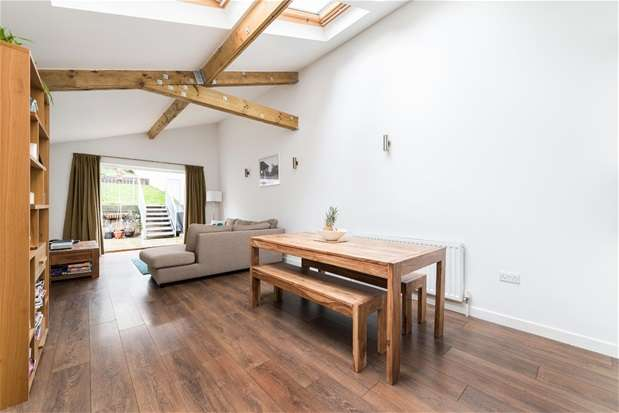 4 Bedrooms Semi Detached House for sale in Beadnell Road, Forest Hill