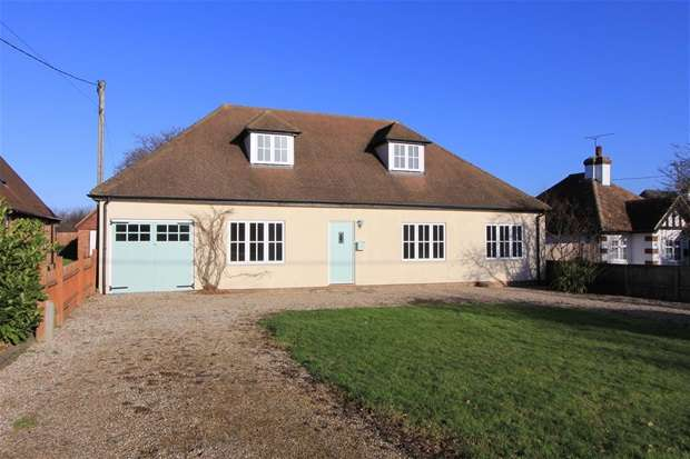 4 Bedrooms Detached House for sale in Grasmere Road, Chestfield, Whitstable