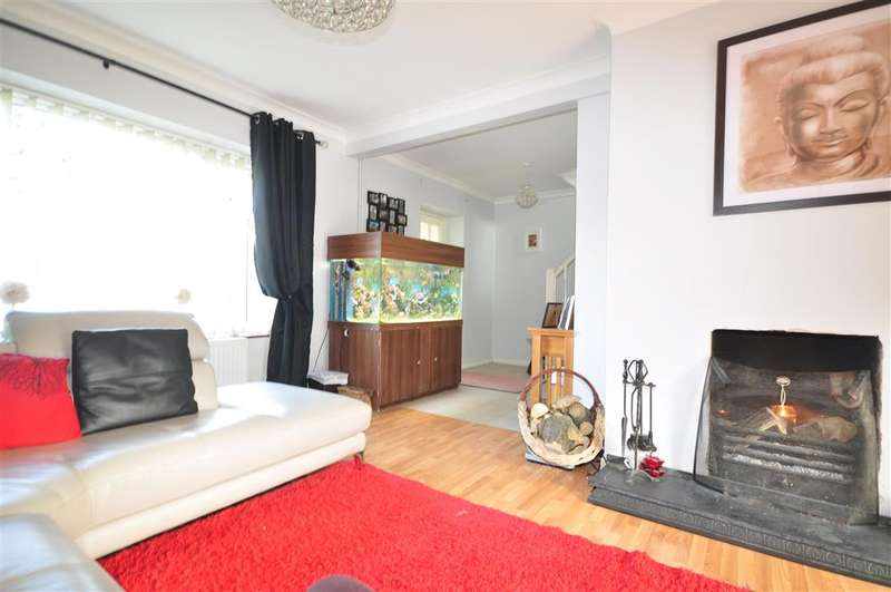 3 Bedrooms Semi Detached House for sale in Oakmead, Tonbridge, Kent