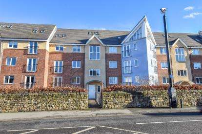 4 Bedrooms Maisonette Flat for sale in Chillingham Road, Newcastle Upon Tyne, Tyne and Wear, NE6