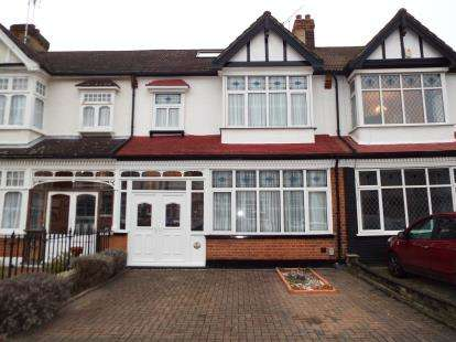 4 Bedrooms Terraced House for sale in Gants Hill, Ilford, Essex