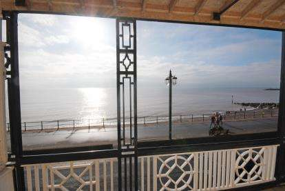 2 Bedrooms Flat for sale in 8 The Esplanade, Sidmouth, Devon