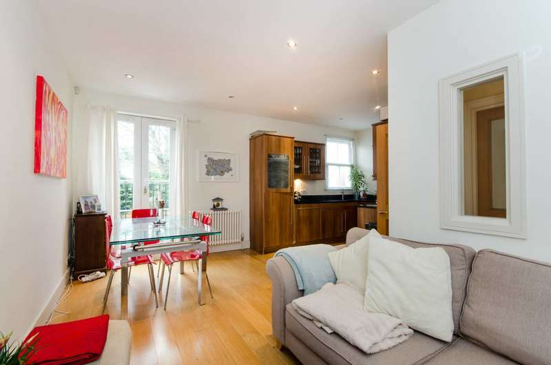 3 Bedrooms Flat for sale in Stanton Road, Raynes Park, SW20