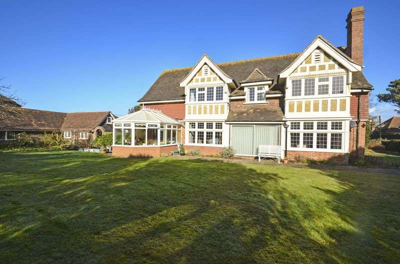 5 Bedrooms Detached House for sale in Cornwallis Road, Milford on Sea