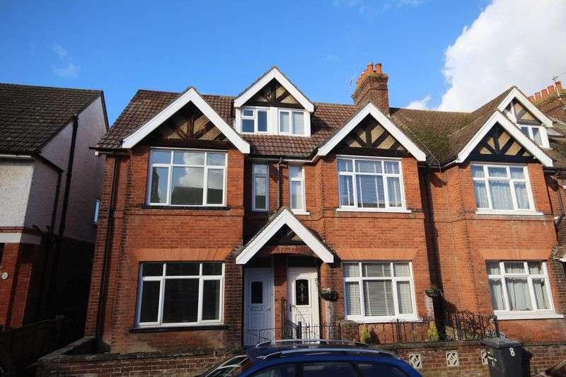 4 Bedrooms Semi Detached House for sale in Meadow Road, Tonbridge