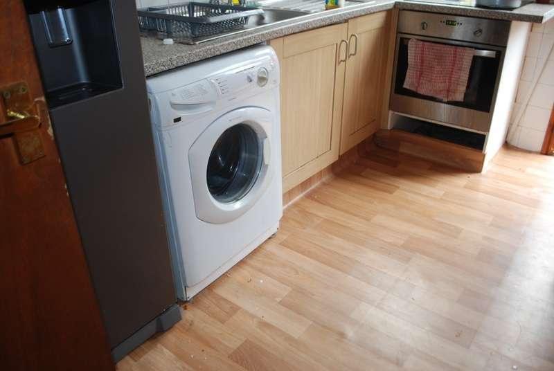 9 Bedrooms Terraced House for rent in Headingley Avenue, Leeds, LS6