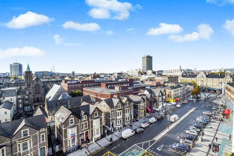 2 Bedrooms Flat for sale in Churchill Way, Cardiff