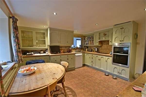 3 Bedrooms Detached House for sale in Scholefield Lane, Nelson, Lancashire