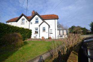 3 Bedrooms Semi Detached House for sale in Cottenden Farm, Stonegate, Wadhurst, East Sussex