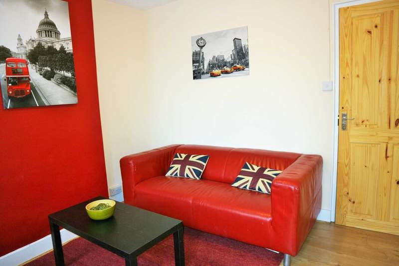 2 Bedrooms End Of Terrace House for sale in Ivy Lane, Canterbury