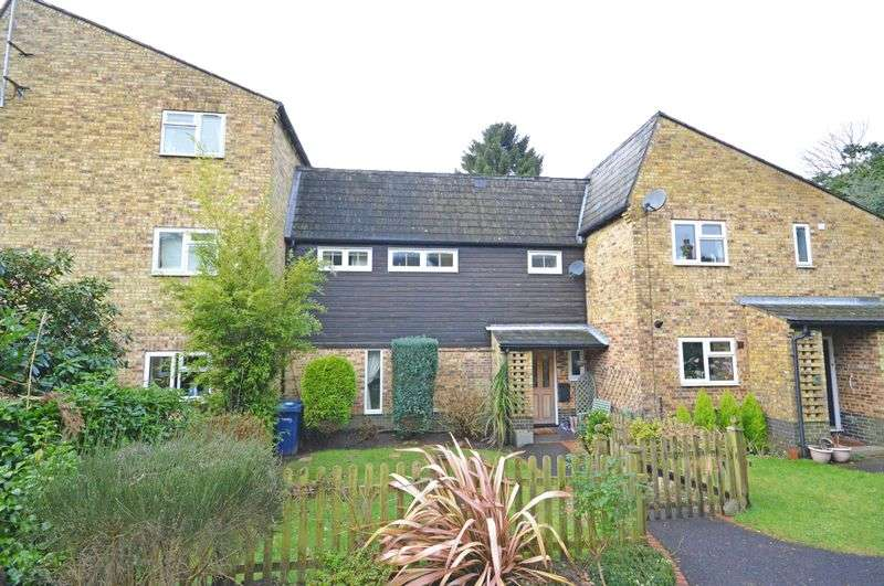 3 Bedrooms Terraced House for sale in Broom Squires, Hindhead