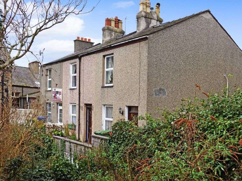 3 Bedrooms Terraced House for sale in Bangor