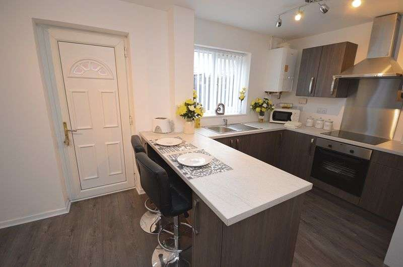 4 Bedrooms Terraced House for sale in Dickson Close, Widnes