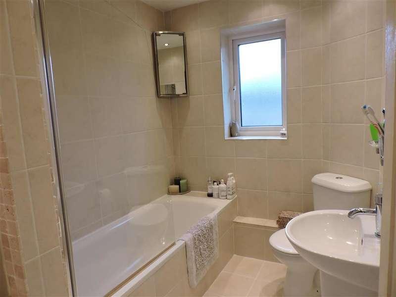 2 Bedrooms Terraced House for sale in Barnetts Way, Tunbridge Wells, Kent
