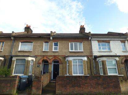 1 Bedroom Flat for sale in Hertford Road, Waltham Cross, Hertfordshire
