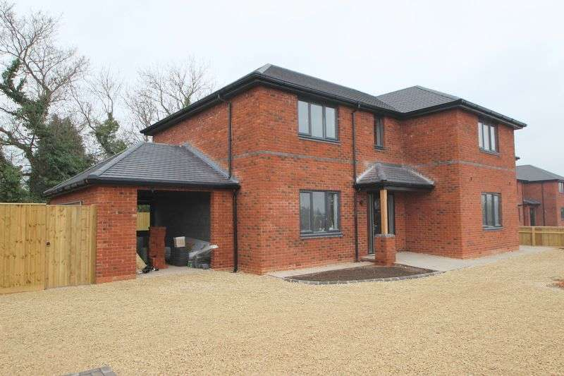 4 Bedrooms Detached House for sale in Oversley Green, Alcester