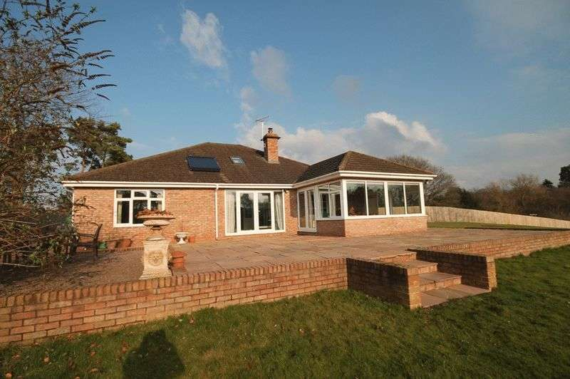 4 Bedrooms Detached Bungalow for sale in Walkmill Drive, Market Drayton