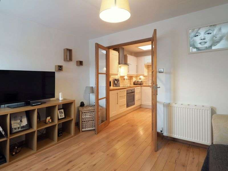 1 Bedroom Flat for sale in West Main Street, Uphall, EH52 5DN