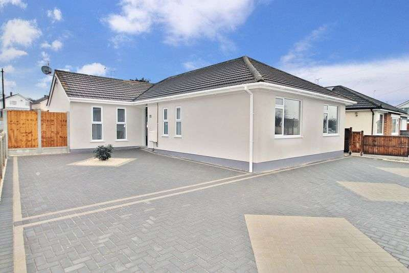 3 Bedrooms Detached Bungalow for sale in Orchard Grove, Leigh-On-Sea