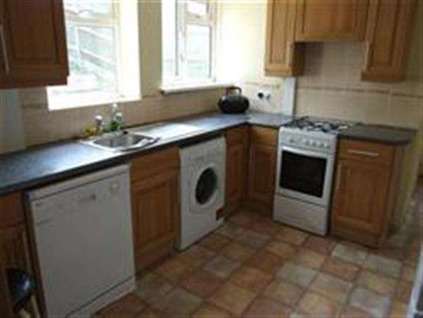 5 Bedrooms Property for rent in Moulsecoomb Way, Brighton