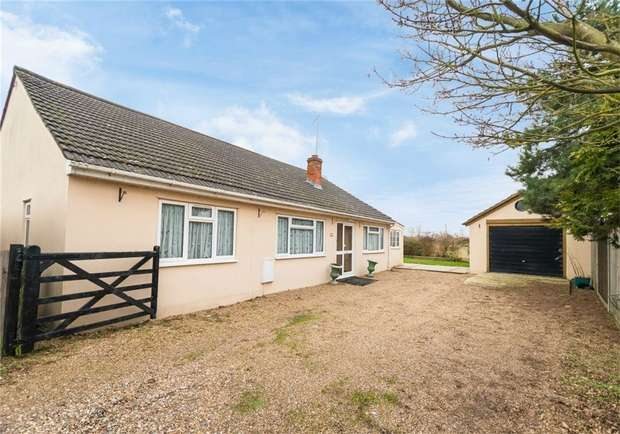 3 Bedrooms Detached Bungalow for sale in 1a Iverdale Close, Iver, Buckinghamshire