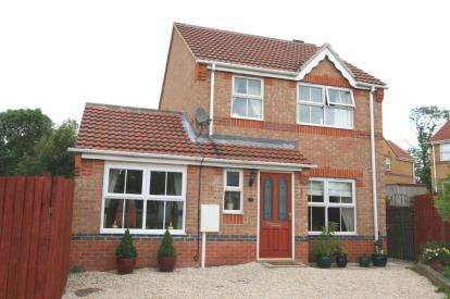 3 Bedrooms Detached House for sale in Merlin Avenue, Bolsover, Chesterfield, Derbyshire