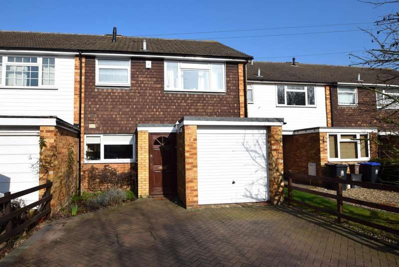 3 Bedrooms Terraced House for sale in Jennery Lane, Burnham, SL1