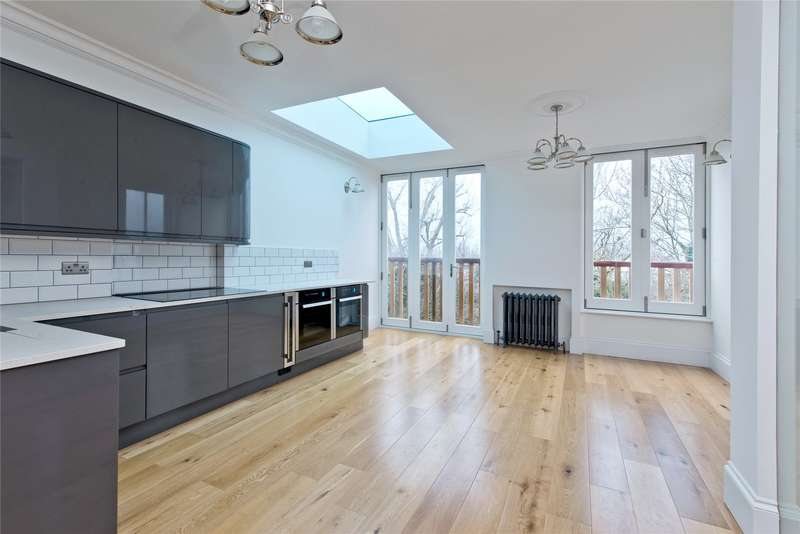 3 Bedrooms Flat for sale in Home Park Road, London, SW19