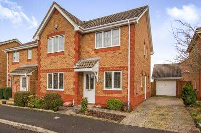 4 Bedrooms Detached House for sale in Westons Brake, Emersons Green, Bristol, Gloucestershire