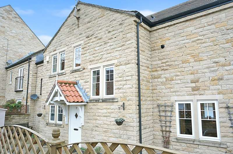 3 Bedrooms Mews House for sale in Micklethwaite Mews, Wetherby, LS22 5LB