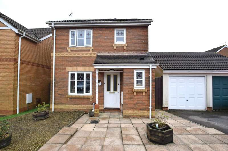3 Bedrooms Detached House for sale in 3 Coed Y Gog, Broadlands, Bridgend, Bridgend County Borough, CF31 5AE.