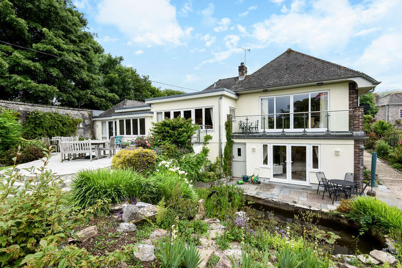 4 Bedrooms Detached House for sale in Membland, NEWTON FERRERS,South Devon