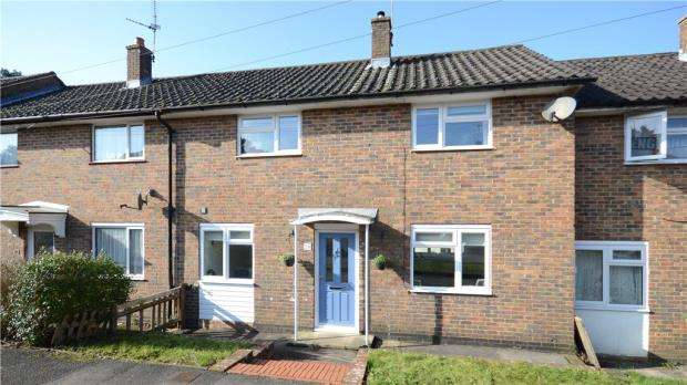 3 Bedrooms Terraced House for sale in Beaufort Road, Bordon, Hampshire
