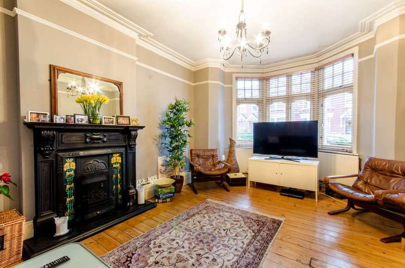 5 Bedrooms House for sale in Melbourne Avenue, Bowes Park, N13