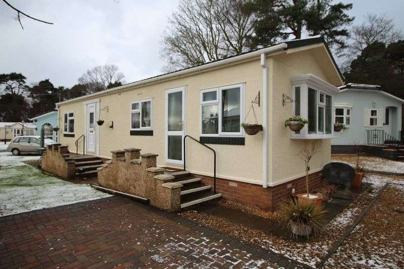 2 Bedrooms Detached Bungalow for sale in Woodlands Walk, Kirkcaldy