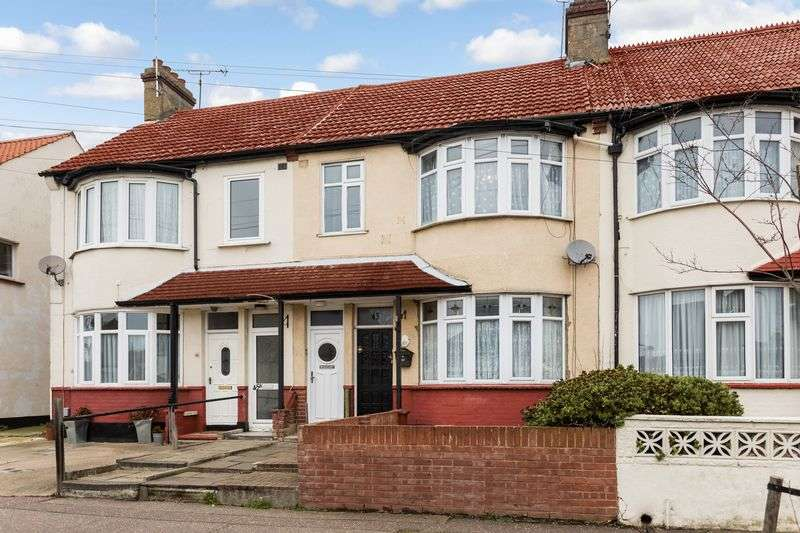 2 Bedrooms Flat for sale in Eastcote Grove, Southchurch Village