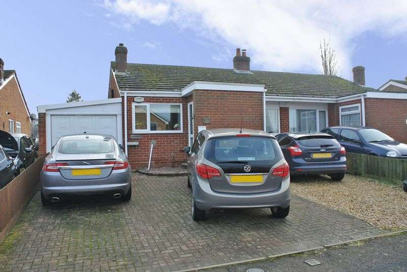 3 Bedrooms Semi Detached Bungalow for sale in Meadow View, Higham Ferrers
