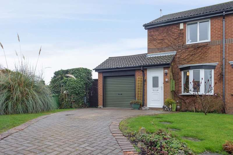 2 Bedrooms Semi Detached House for sale in Linden Road, Seaton Delaval, Northumberland, NE25
