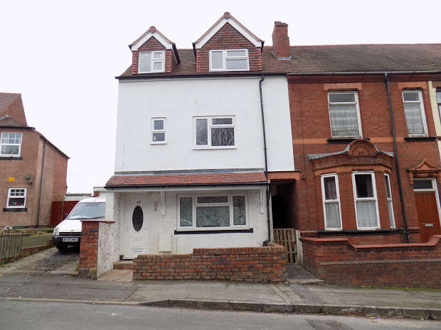5 Bedrooms End Of Terrace House for sale in Victoria Road, Brierley Hill, DY5