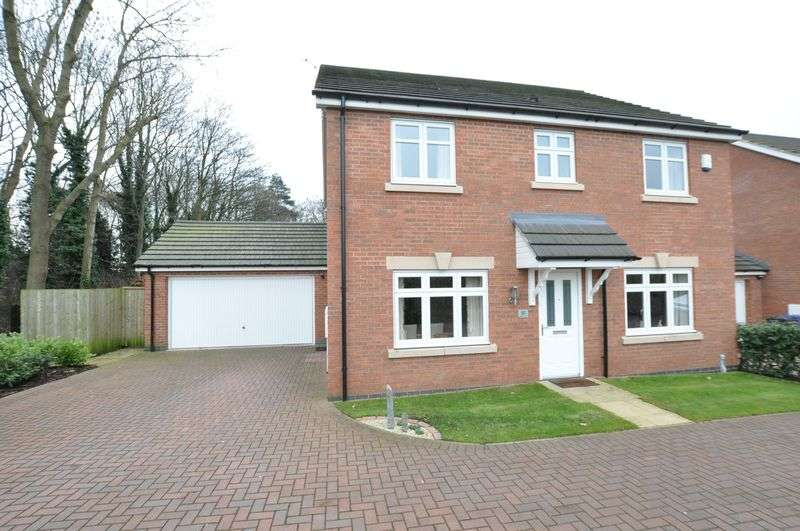 4 Bedrooms Detached House for sale in Boundary Close, Outwoods