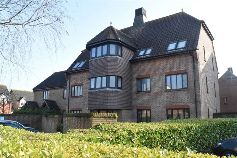 2 Bedrooms Flat for sale in Fawkner Close, Chelmsford